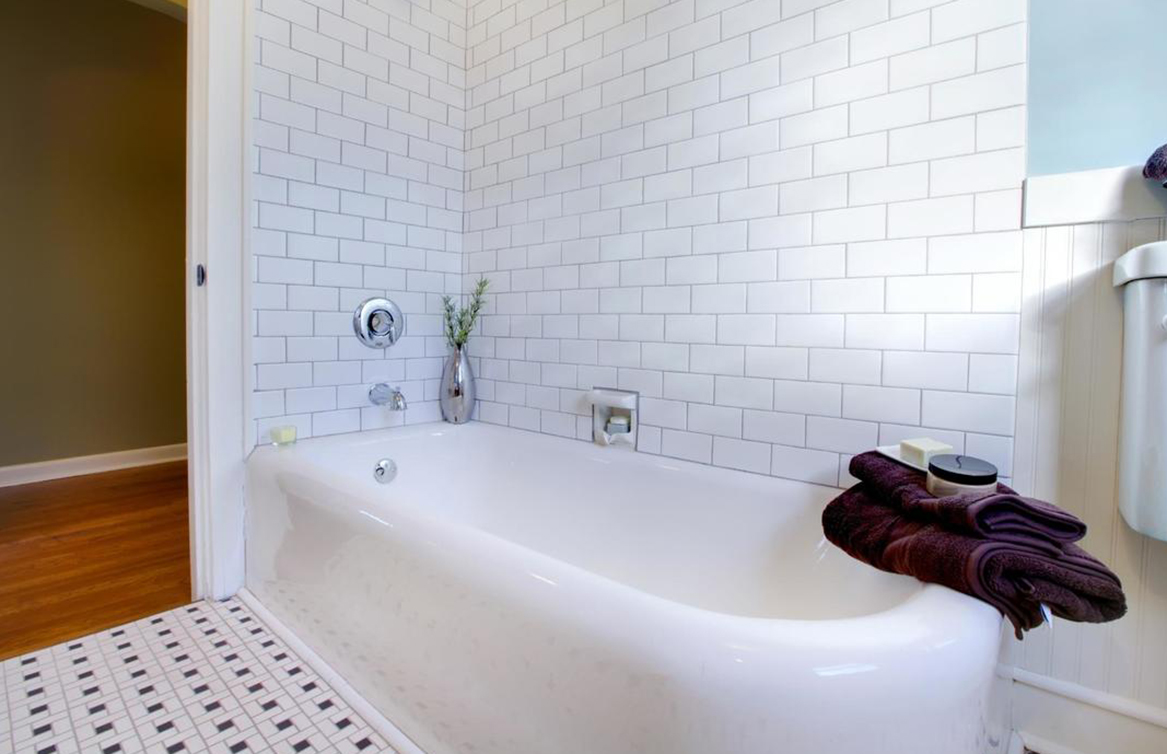 bathtub refinishing companies near me